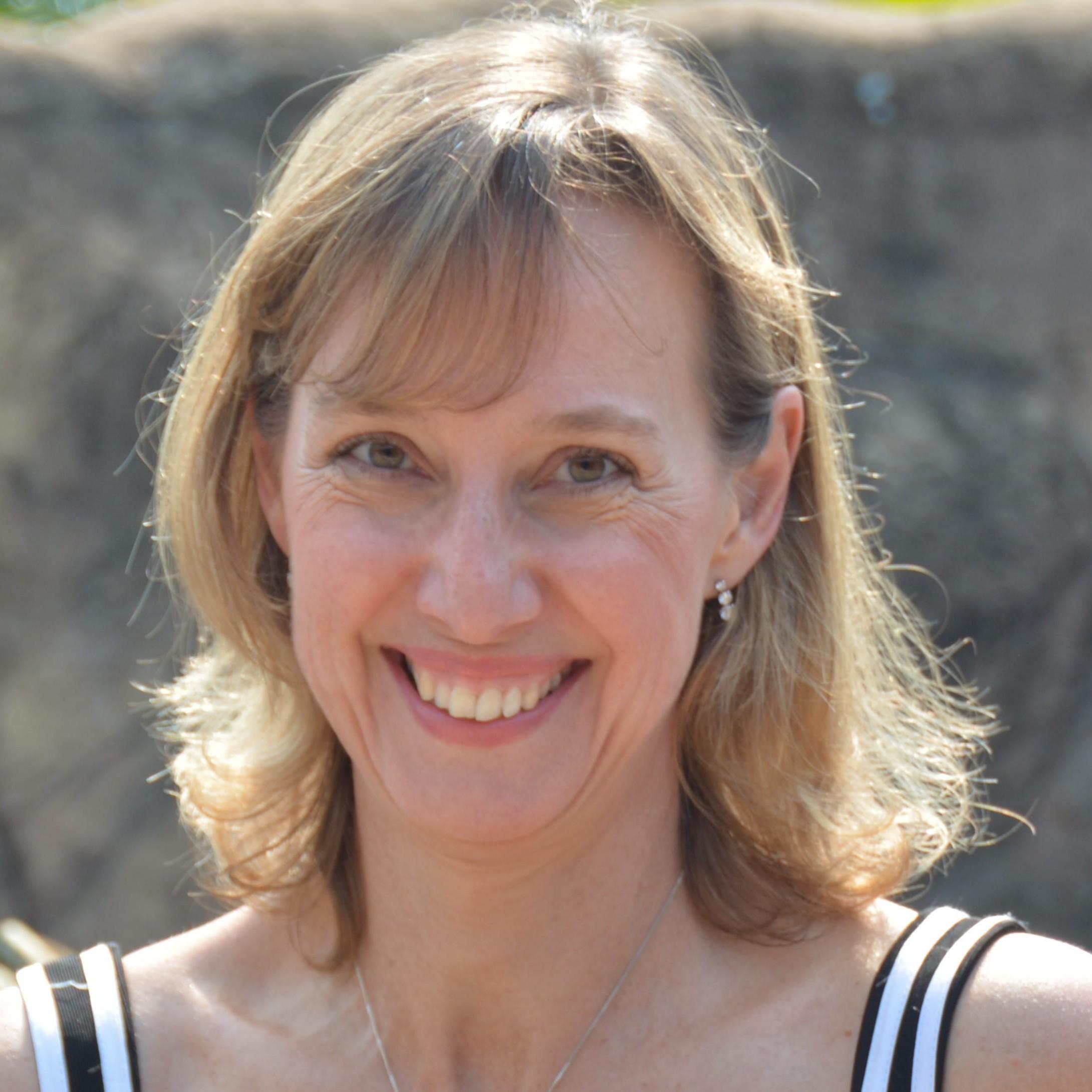 Dr Judy Mann